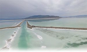 US Magnesium LLC solar evaporation ponds encompass over one hundred square miles of the Great Salt Lake in Utah.